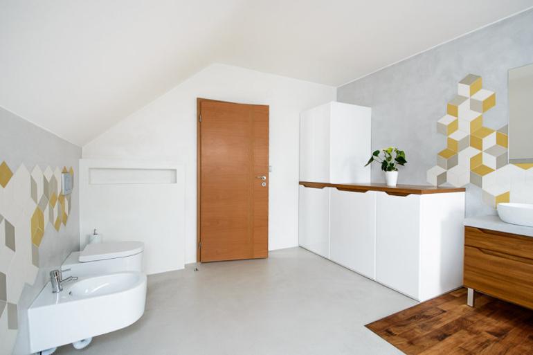 Koupelnové skříňky v luxusní koupelně