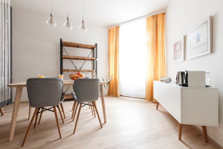 Návrh interiéru 1+kk, garsonka, jídelní kout, kávový stolek